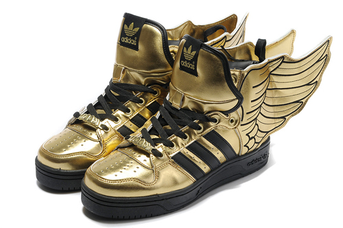 adidas chaussures avec ailes