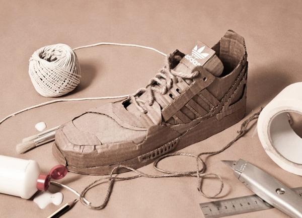 Baskets Adidas en carton